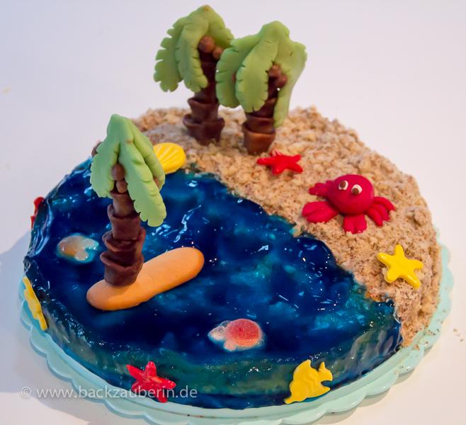 Wunderbar Die Biskuitzunge Soll Eine Kleine Insel Sein; Daher Die Zunge Oben Auf Das  Wasser Setzen. Eine Palme Auf Die Insel Setzen.