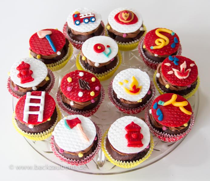 Feuerwehr Cupcakes Kuchen Geback Pralinen Und Gute Laune